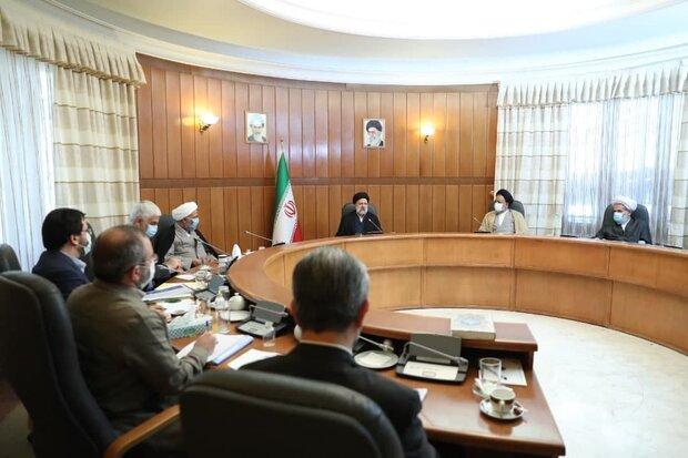 اقدامات عینی برای ریشهکنی فساد را در اولین روز دولت آغاز میکنیم