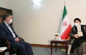 وزیر فرهنگ و ارشاد اسلامی باحضور در دفتر رئیس جمهور منتخب، با سید ابراهیم رئیسی دیدار وگفتگو کرد